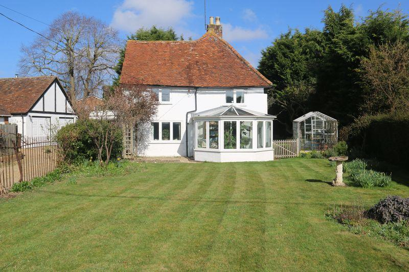 3 Bedrooms Detached House for sale in Brook Street, Edlesborough