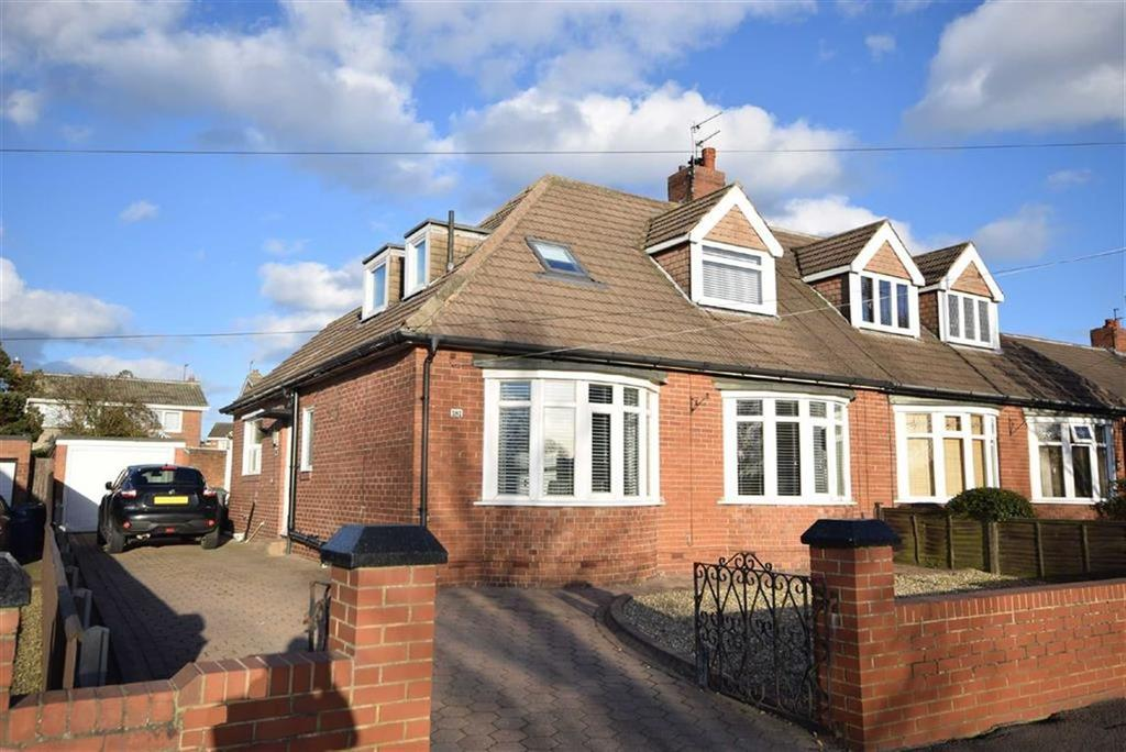 3 Bedrooms Semi Detached Bungalow for sale in Temple Park Road, South Shields