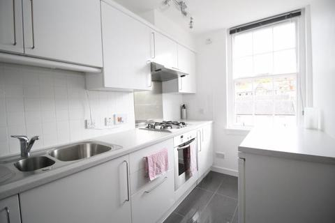 2 bedroom flat to rent - Nicolson Street, Edinburgh EH8