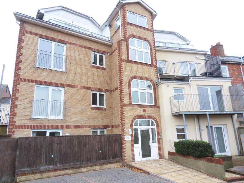 2 Bedrooms Apartment Flat for sale in Victoria Road, Cowes