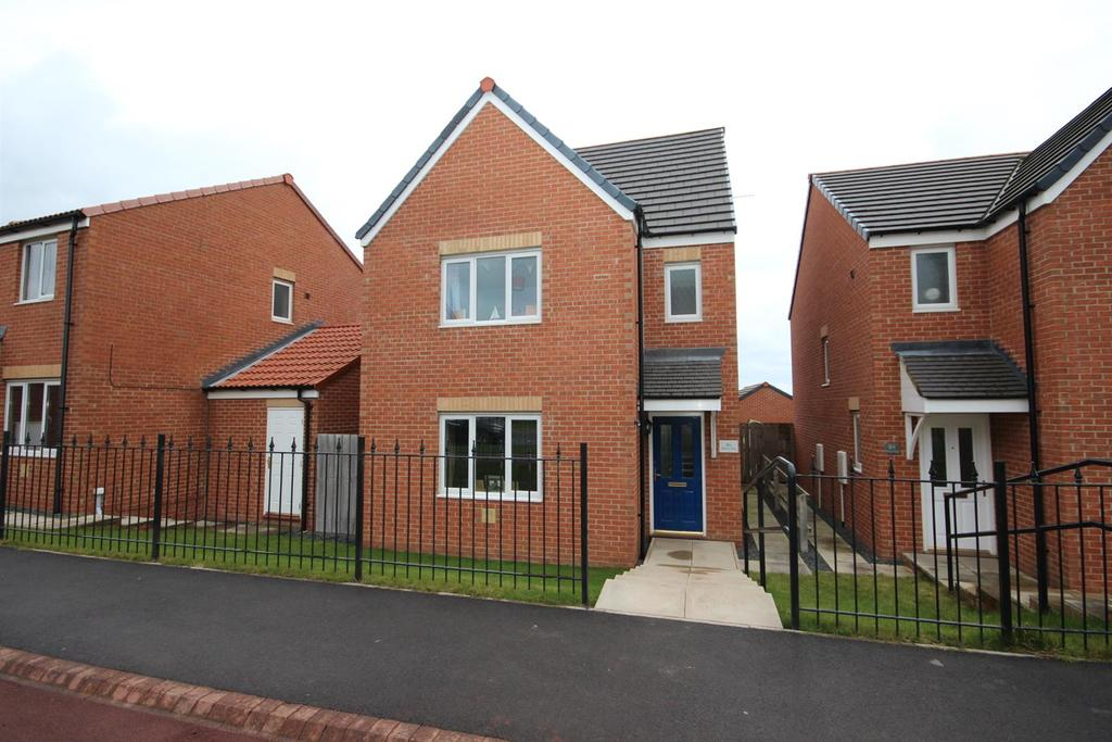 4 Bedrooms Detached House for sale in Merlin Way, Hartlepool