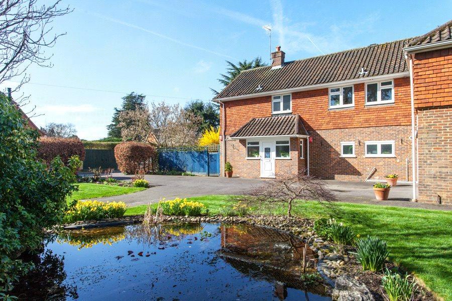 5 Bedrooms Detached House for sale in Grays Park Road, Stoke Poges, Slough, SL2
