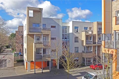 2 bedroom apartment for sale - Glenalmond Avenue, Cambridge, CB2