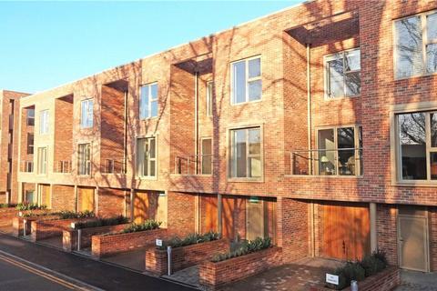 5 bedroom terraced house for sale - 2 Harrison Drive, Cambridge, CB2