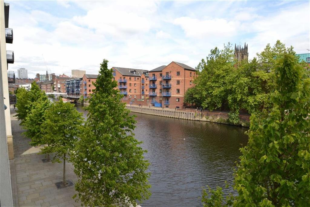 2 Bedrooms Apartment Flat for sale in St James Quay, Leeds, LS10