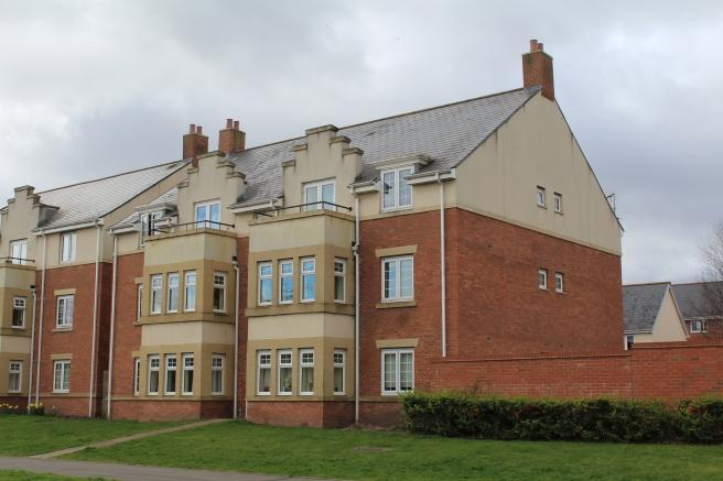 2 Bedrooms Apartment Flat for sale in 57 Station Road, The Humbers, Telford, Shropshire, TF2 8JR