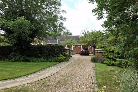 5 bedroom detached bungalow for sale - Lodge Lane, Lytham