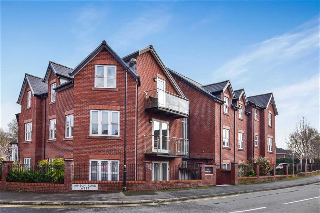 2 Bedrooms Apartment Flat for sale in Aimson Road West, Timperley, Cheshire, WA15