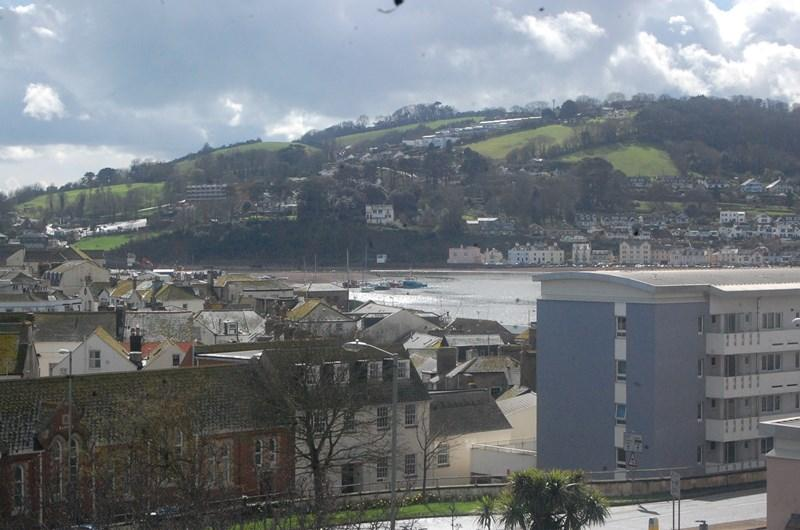 2 Bedrooms Flat for sale in Fore Street, Teignmouth