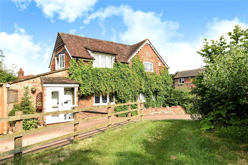 3 Bedrooms Detached House for sale in Tiddington, Thame