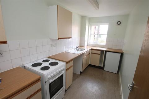 2 bedroom apartment to rent - Danvers Road off Narborough Road