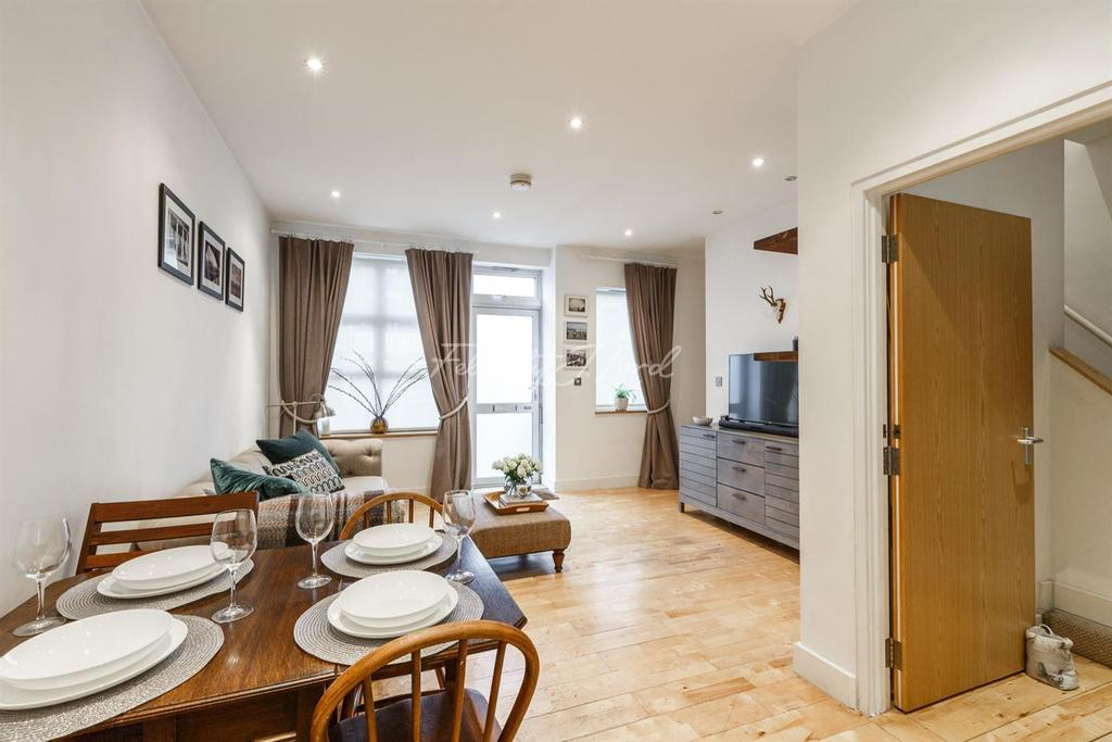 2 Bedrooms Flat for sale in Lewisham, SE13