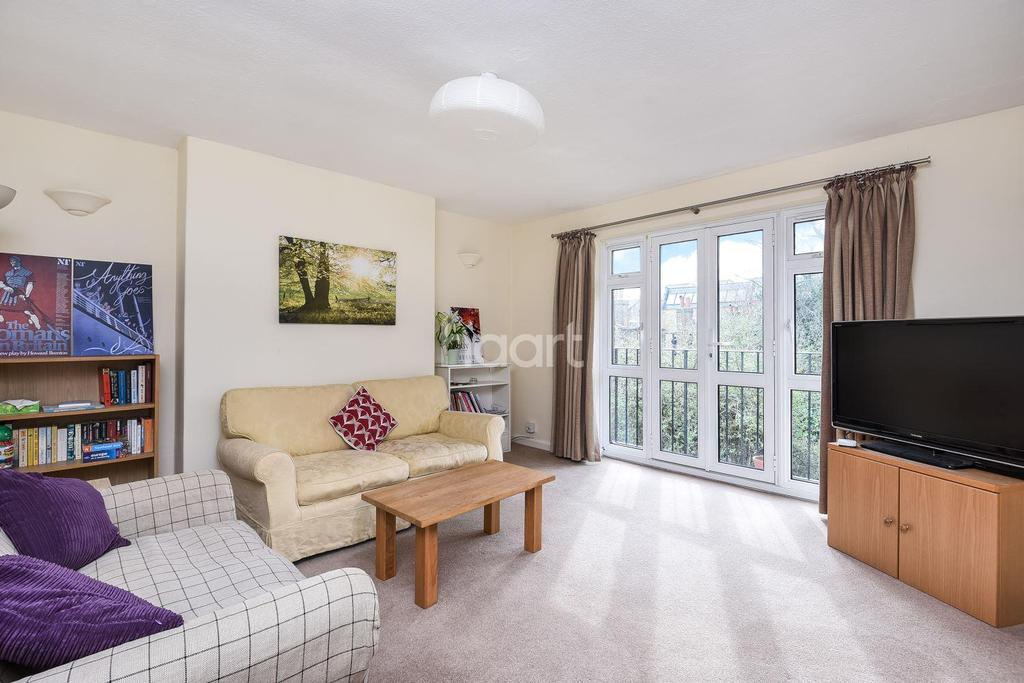 3 Bedrooms Flat for sale in Trinity Gardens, Brixton, SW9