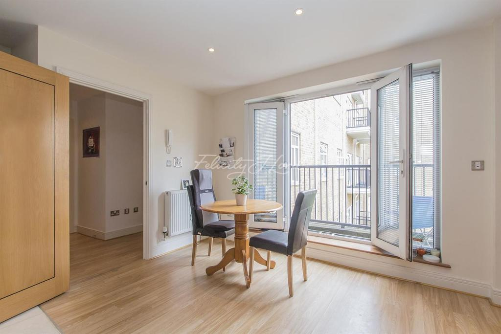 1 Bedroom Flat for sale in Goswell Road, EC1V