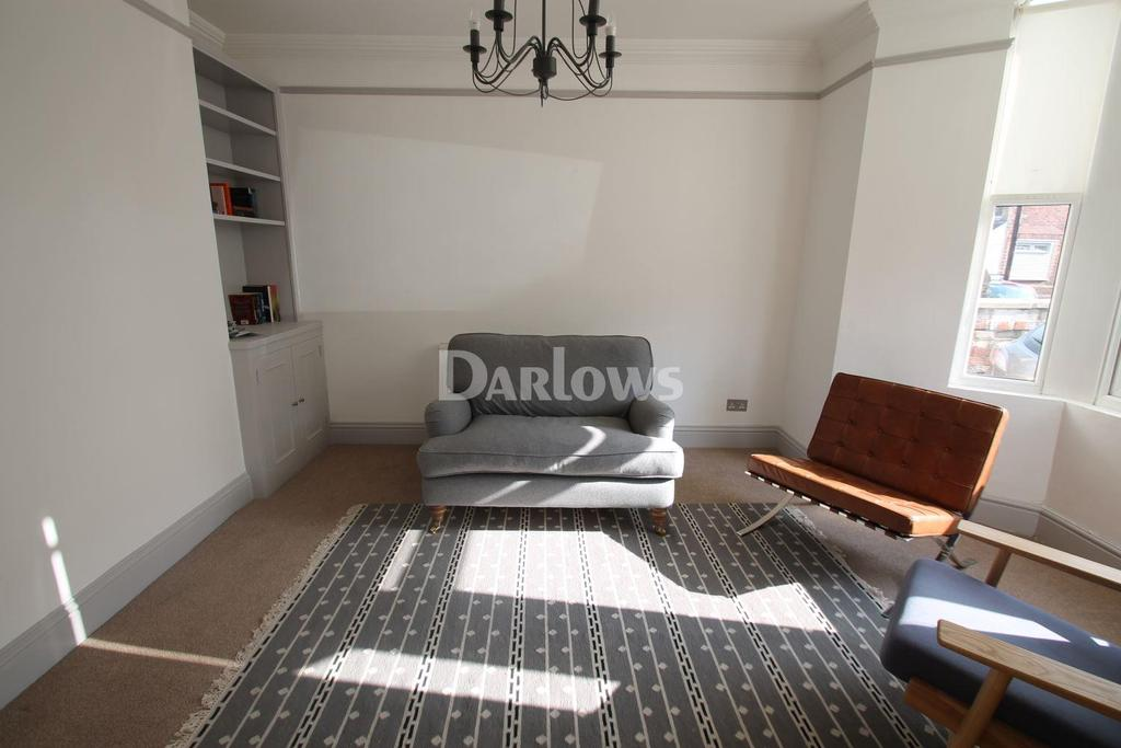2 Bedrooms Maisonette Flat for sale in Clive Road, Canton