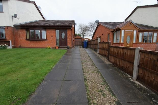 2 Bedrooms Semi Detached Bungalow for sale in Tram Street Platt Bridge Wigan
