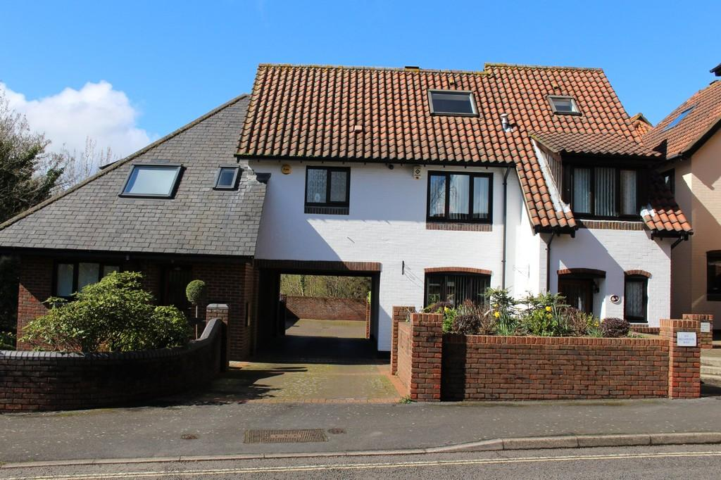 4 Bedrooms Town House for sale in Shamrock Way, Hythe Marina Village, Southampton