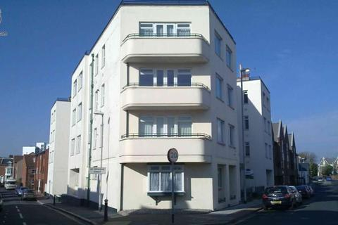 Studio to rent - Clarendon Road, Southsea, PO5 2PD
