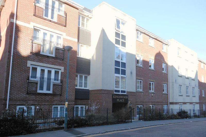 2 Bedrooms Apartment Flat for sale in Kingswood Place, 55-59 Norwich Avenue West, Bournemouth