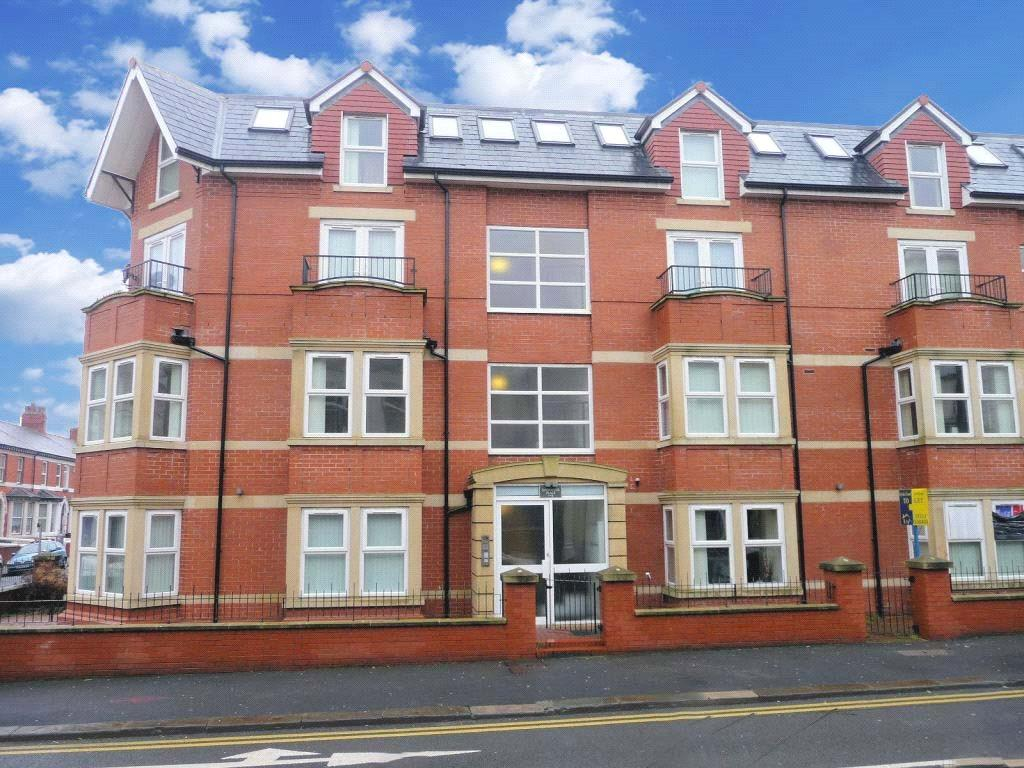 2 Bedrooms Apartment Flat for sale in 12 Goodwood Court, Regent Road, Blackpool, Lancashire