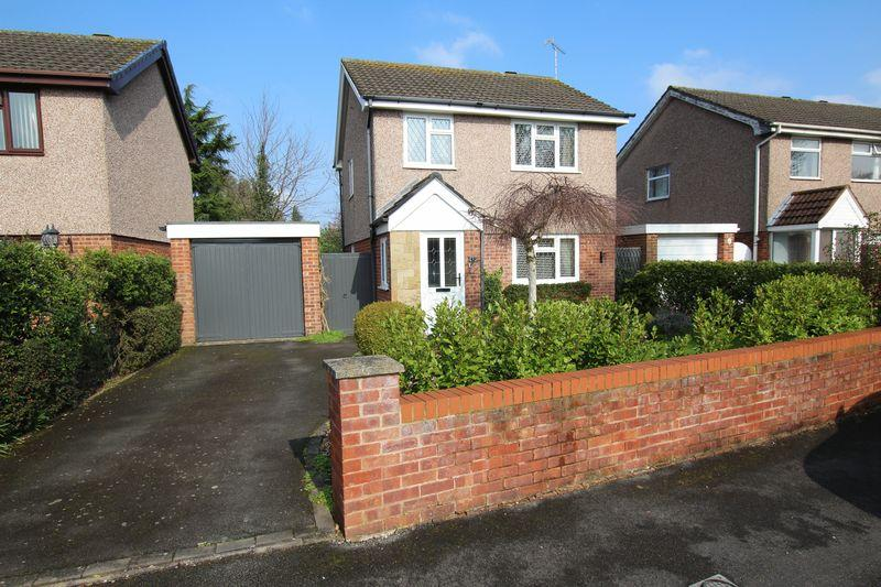 3 Bedrooms Detached House for sale in Orchard Road, Whitby