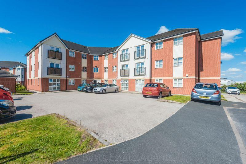 2 Bedrooms Apartment Flat for sale in Lockfield, Runcorn