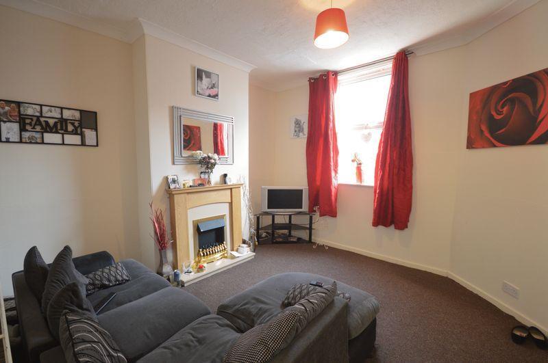2 Bedrooms Terraced House for sale in Goosebutt Street, Parkgate, Rotherham