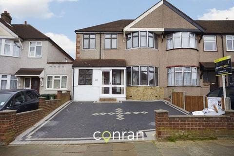 3 bedroom semi-detached house to rent - The Green, Welling DA16 2PB