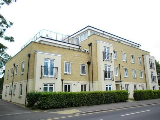 2 Bedrooms Flat for sale in Hippisley Court, 211 Worton Road, Isleworth