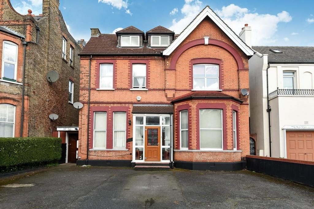 8 Bedrooms Detached House for sale in Madeley Road, Ealing