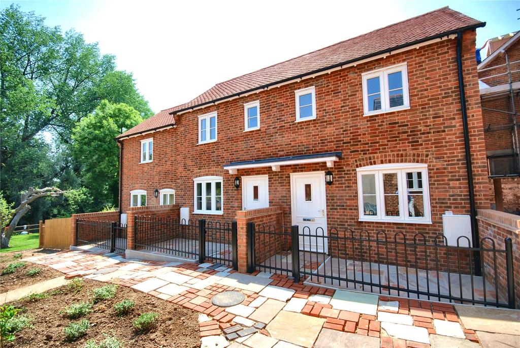 2 Bedrooms Terraced House for sale in Salisbury Street, Fordingbridge, Hampshire, SP6