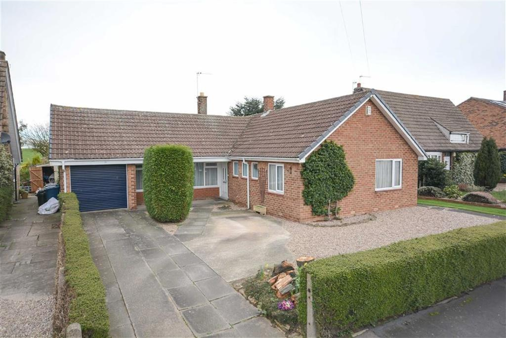 3 Bedrooms Detached Bungalow for sale in Burnside Grove, Tollerton