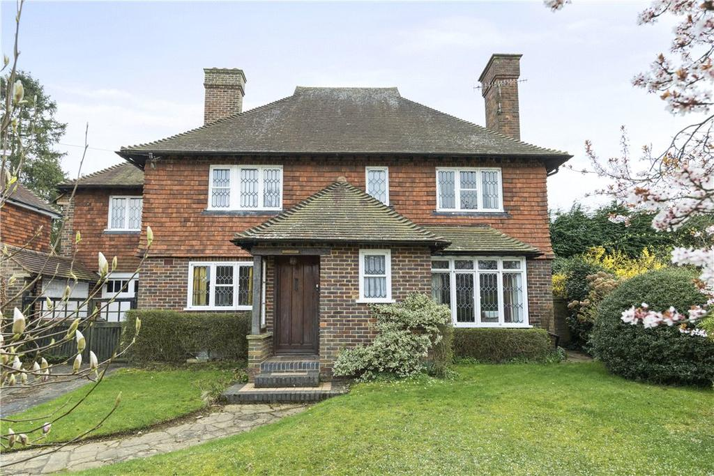 4 Bedrooms Detached House for sale in Meads Road, Guildford, Surrey, GU1