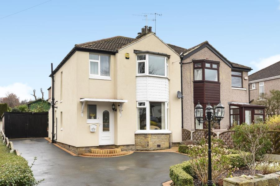 3 Bedrooms Semi Detached House for sale in CROWTHER AVENUE,CALVERLEY,LS28 5SA