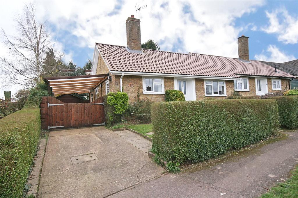 3 Bedrooms Semi Detached Bungalow for sale in Blythway, Welwyn Garden City, Hertfordshire