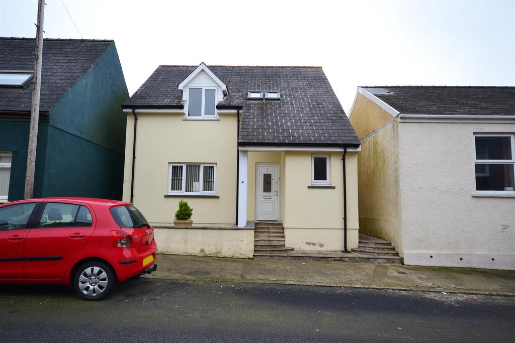 3 Bedrooms Detached House for sale in Prospect Place, Pembroke Dock