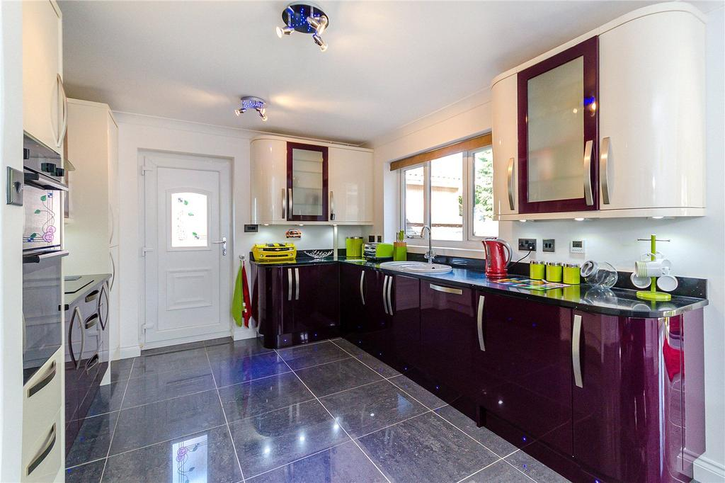 2 Bedrooms Detached Bungalow for sale in Bellwood Grange, Cherry Willingham, Lincoln, LN3