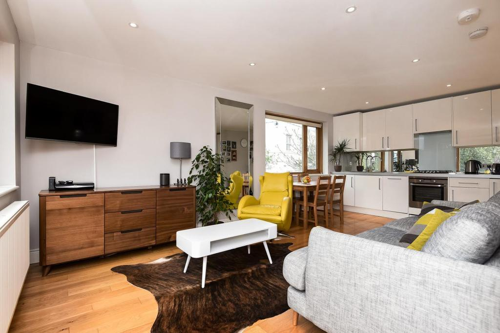 1 Bedroom Flat for sale in King's Mews, Clapham
