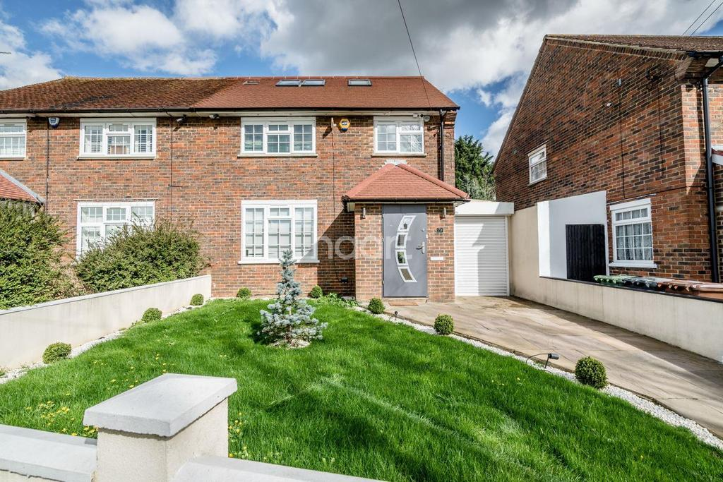 4 Bedrooms Semi Detached House for sale in Stanborough Avenue, Borehamwood