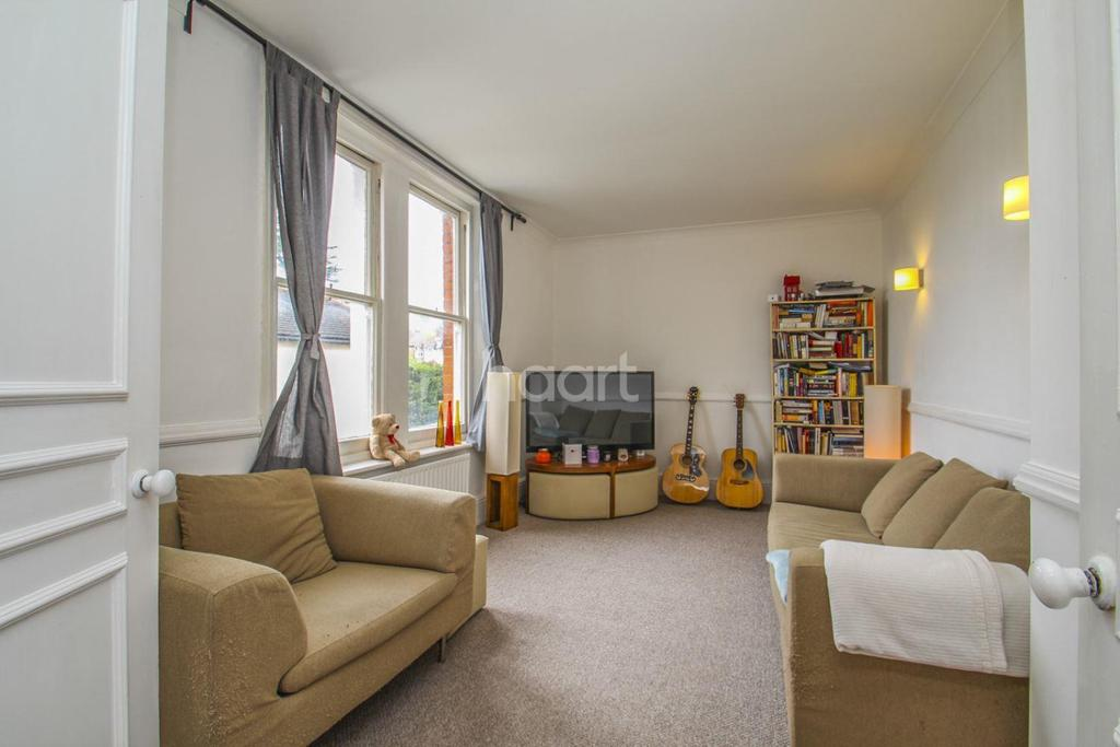 2 Bedrooms Flat for sale in Oakdale Road, Streatham, SW16