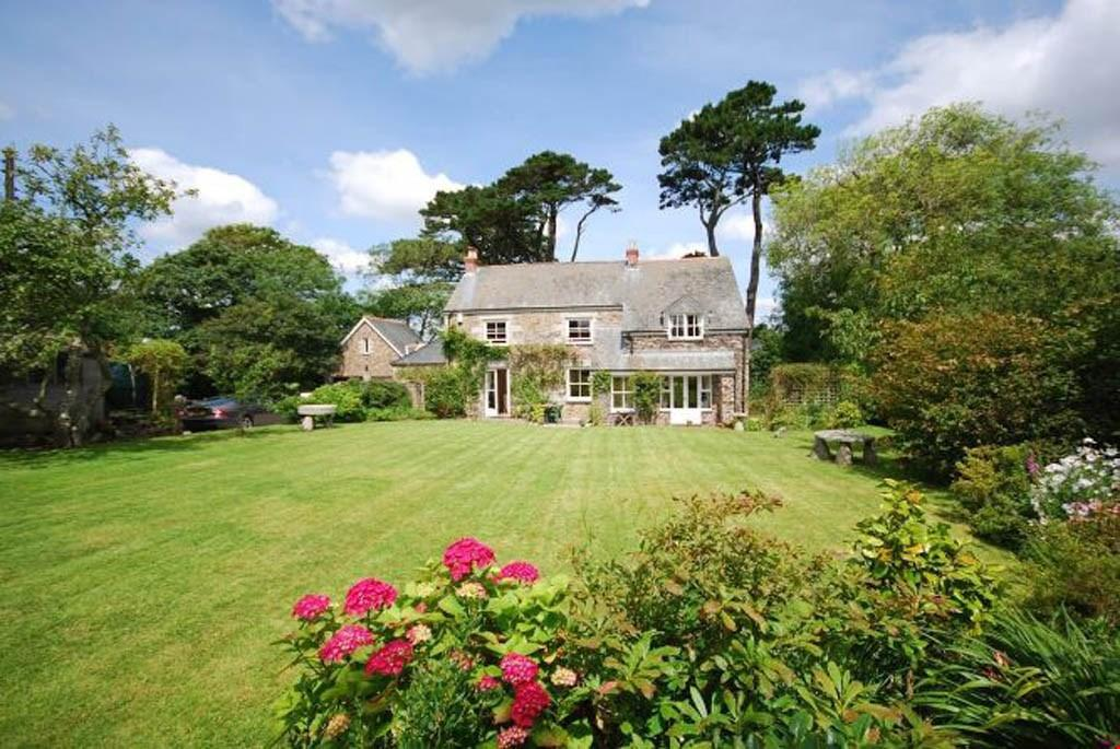 4 Bedrooms Country House Character Property for sale in Old Church Road, Mawnan Smith, Nr. Falmouth, Cornwall, TR11