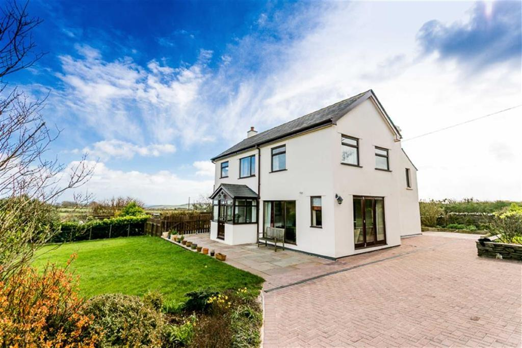 6 Bedrooms Detached House for sale in Cooil Road, Braddan, Isle of Man