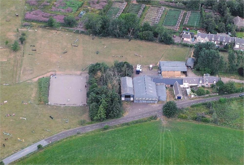 6 Bedrooms Detached House for sale in FARMHOUSE AND EQUESTRIAN CENTRE/ SMALL HOLDING, Westertoun, Westruther, GORDON, Scottish Borders