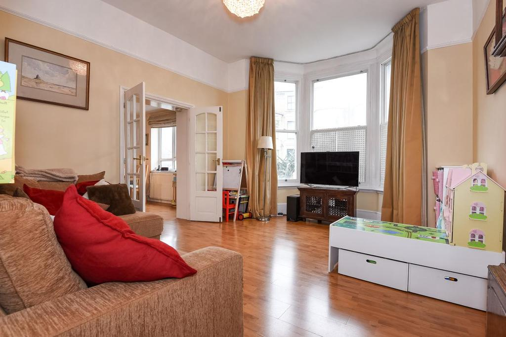 3 Bedrooms Flat for sale in Weltje Road, Hammersmith, W6