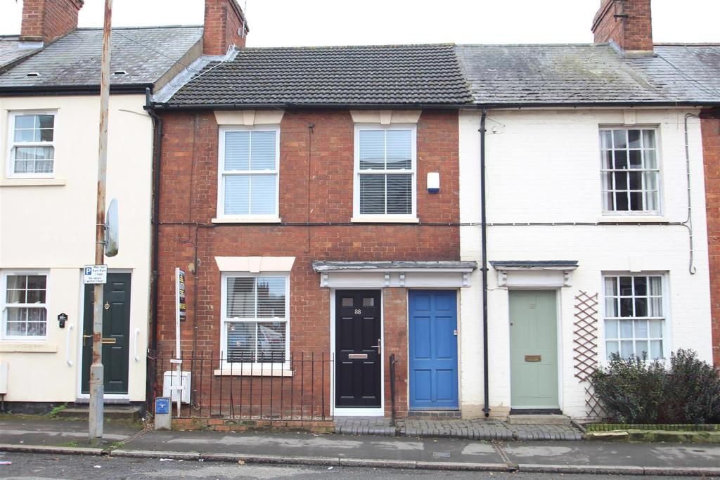 2 Bedrooms Terraced House for sale in Wolverton Road, Stony Stratford, Milton Keynes