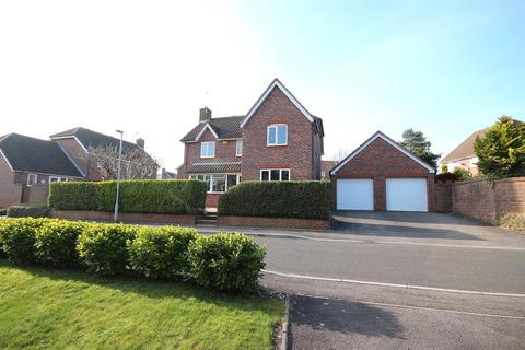 4 bedroom detached house for sale - Cowslip Road, Broadstone