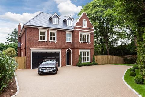 6 bedroom house for sale - Cobbetts Hill, Weybridge, Surrey, KT13