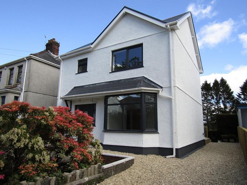 3 Bedrooms Detached House for sale in Clasemont Road, Morriston, Swansea.