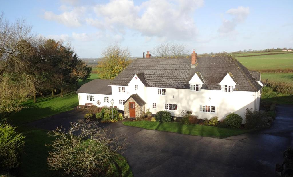 4 Bedrooms Detached House for sale in Meeth, Okehampton