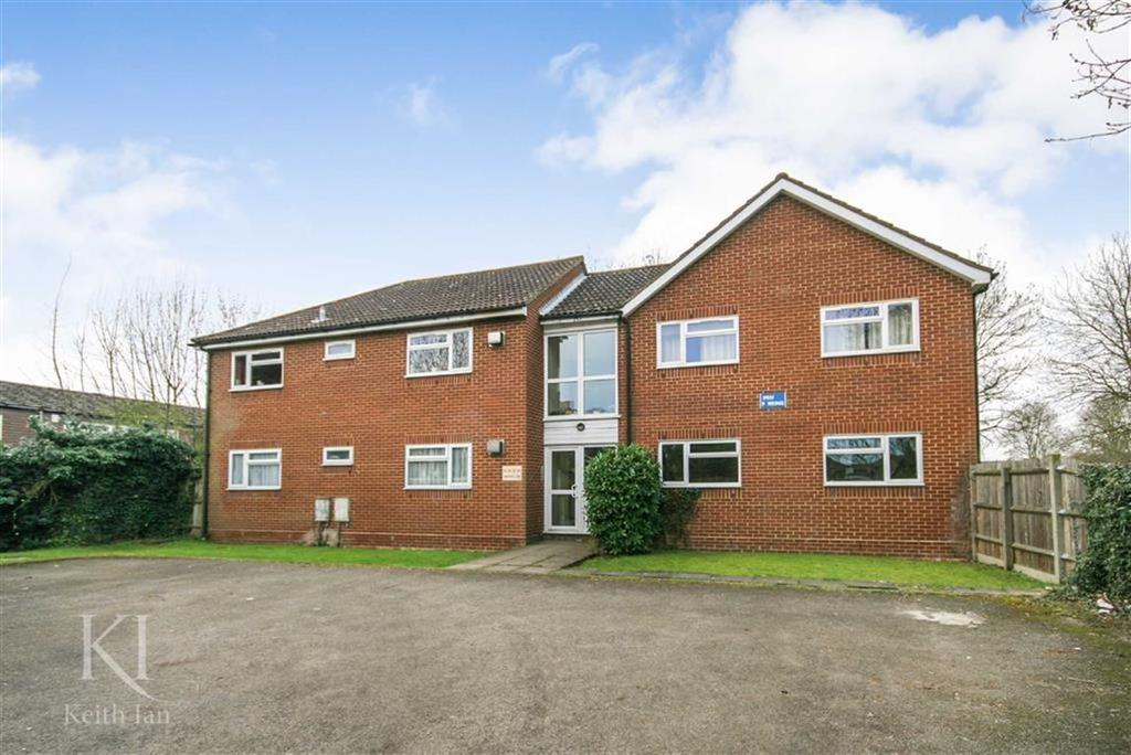 2 Bedrooms Apartment Flat for sale in Andrews Lane, West Cheshunt